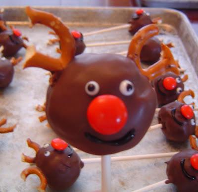 Roudolf+gel Donut Hole Reindeer Pops 40