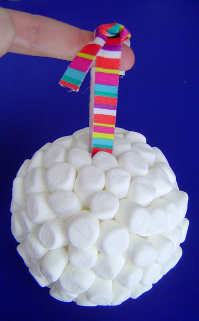 03+done New Year's Marshmallow Ball 9