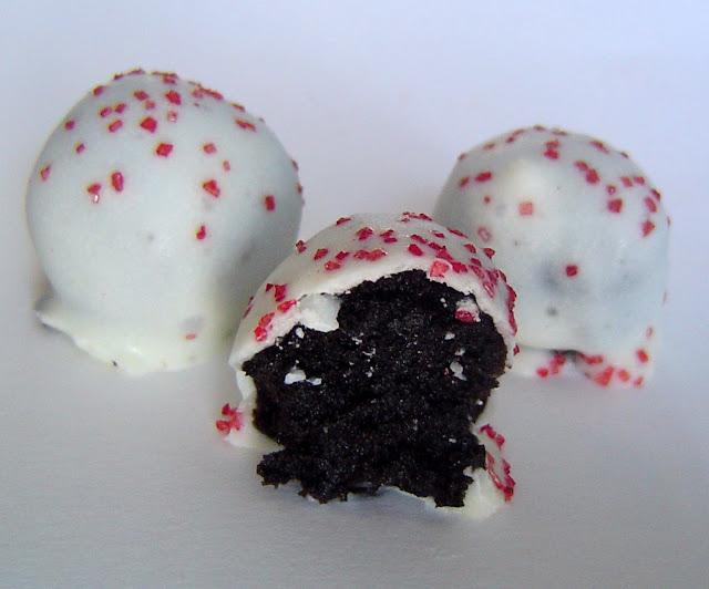 Valentine's Day Oreo Balls #valentinesday