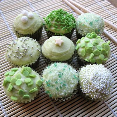 https://1.bp.blogspot.com/_Ae7e6-R2cV4/SWXqzxNORkI/AAAAAAAAAe8/V1EJYf-9-kU/s400/Green+Tea+cupcakes.JPG