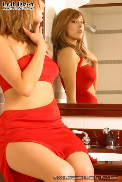 Pose Hot Leah Dizon In Red Picture