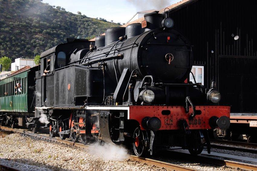 [Est-Pinhao-Comboio-Historico-1.jpg]