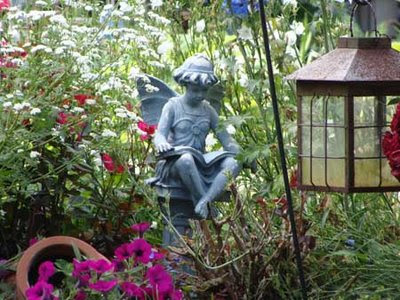 garden ornament accents
