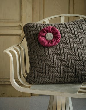 how to make recycled sweater pillows