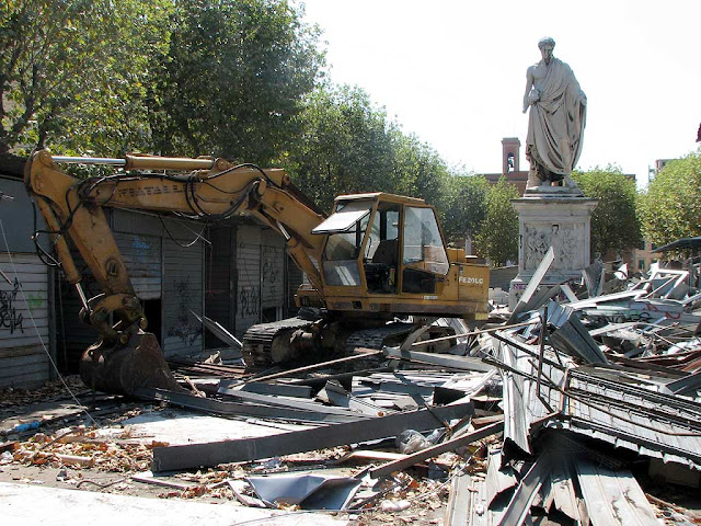 Old stalls of the Mercatino Americano torn down, Livorno