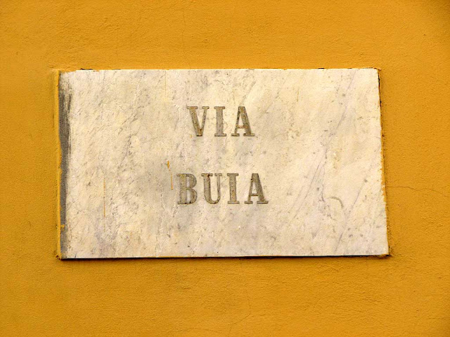 Via Buia, Dark Street, plaque, Livorno