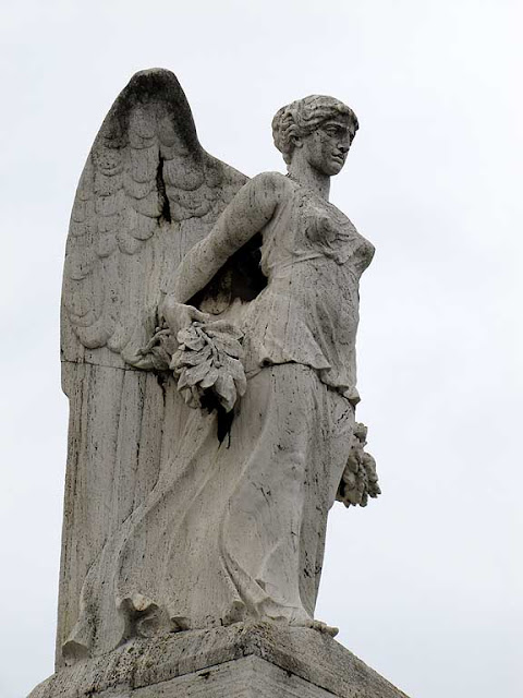 Winged Victory, Livorno