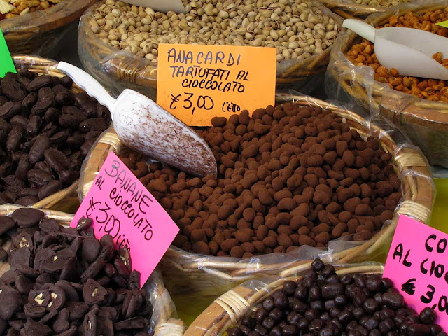 Chocolate truffled cashew nuts, Livorno