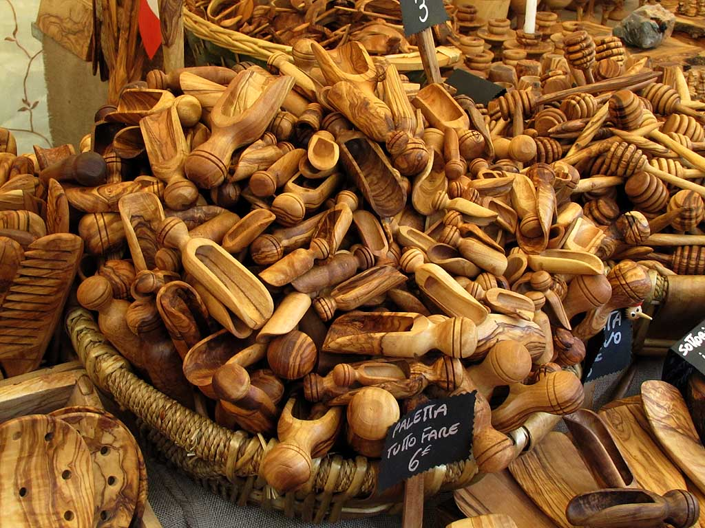 Small wooden scoops, food market, Livorno