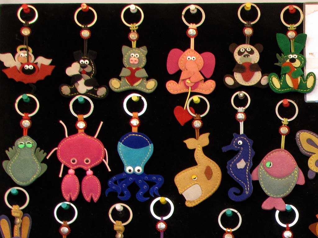 Animal keyrings, food market, Livorno