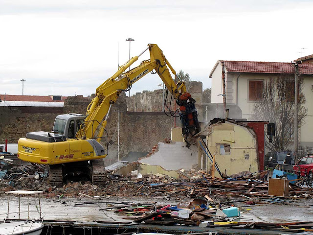 New Venice's cantina torn down, Livorno