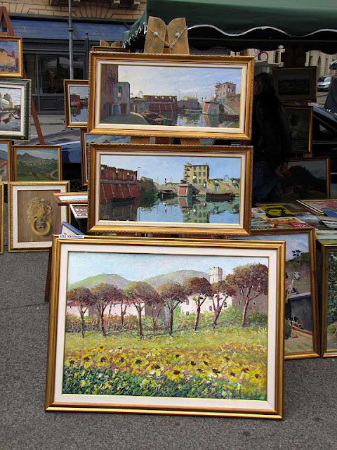 Paintings at the Sunday market, Livorno