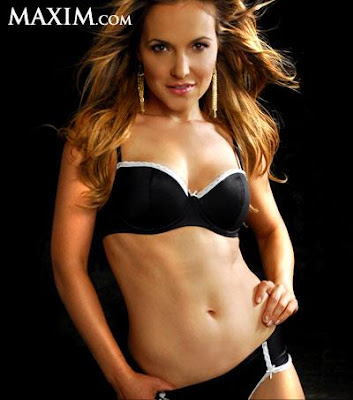 sarah-mcelligott-topless