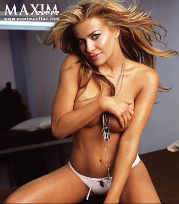 Left,Jaime Pressly and Carmen Electra Topless Pictures