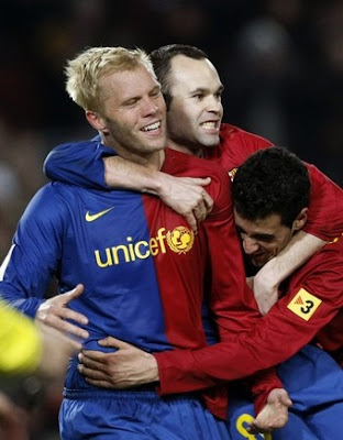 99ca918d6 Catalan sport paper Sport claims that Olympique Lyon is interested in  Barcelona attacker and Iceland international Eidur Gudjohnsen (30).