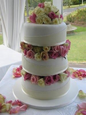 Cake Atau Kue Pengantin