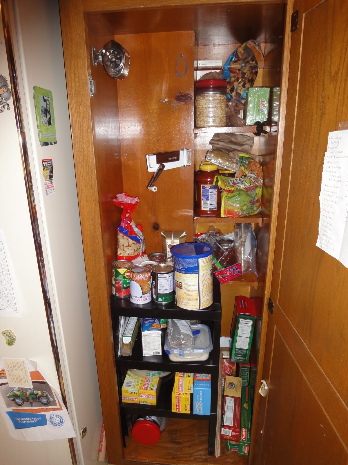 Here you can see the wooden box in the back of the pantry. We have a