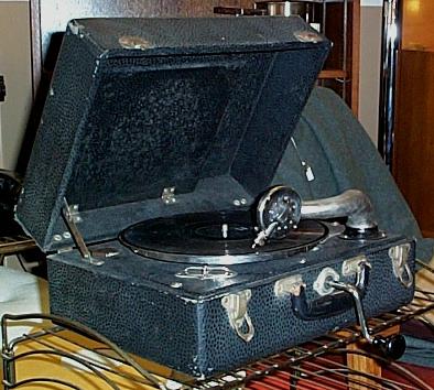 [portable birch phonograph open.jpg]