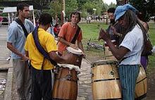 músicos en la feria artesanal