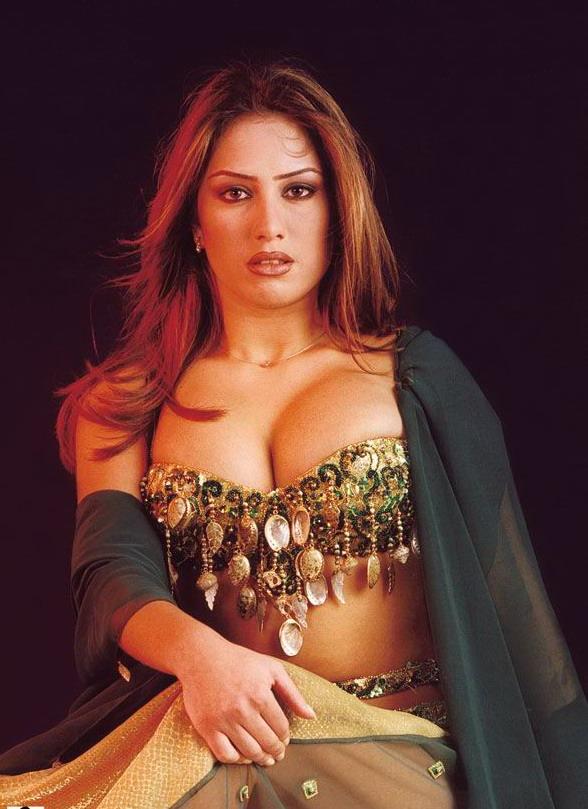 Nude Arab Celebrities 25