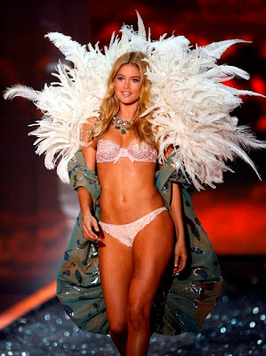 Victoria's Secret fashion show 2009 photos