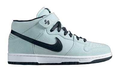 the best attitude d3dfd aab2c Nike SB 2009 May Releases Sea Crystal Dunk Mid, Dunk Low, Air Trainer II TW