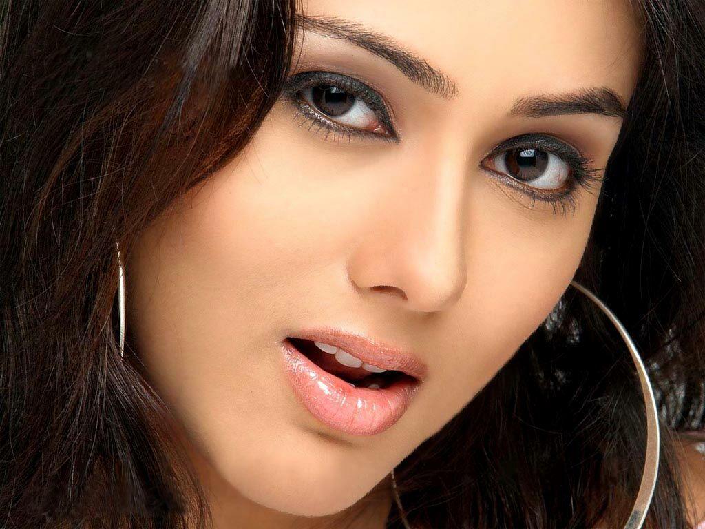 Film Actress Photos Sexy Namitha Hot Hq Wallpapers-8705
