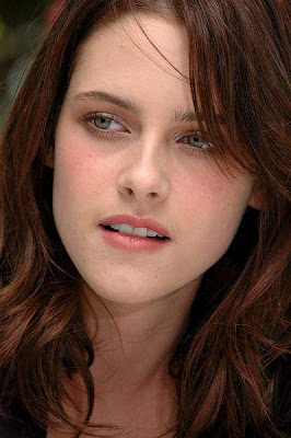 Kristen Stewart Sweet Girl Wallpaper