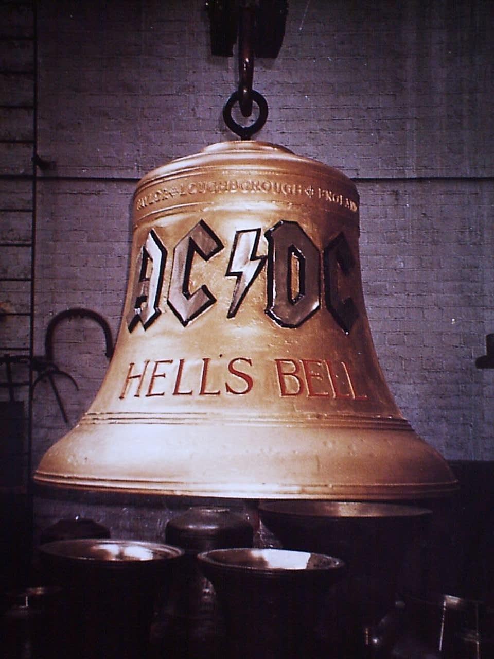AC/DC - Hells Bells Lyrics