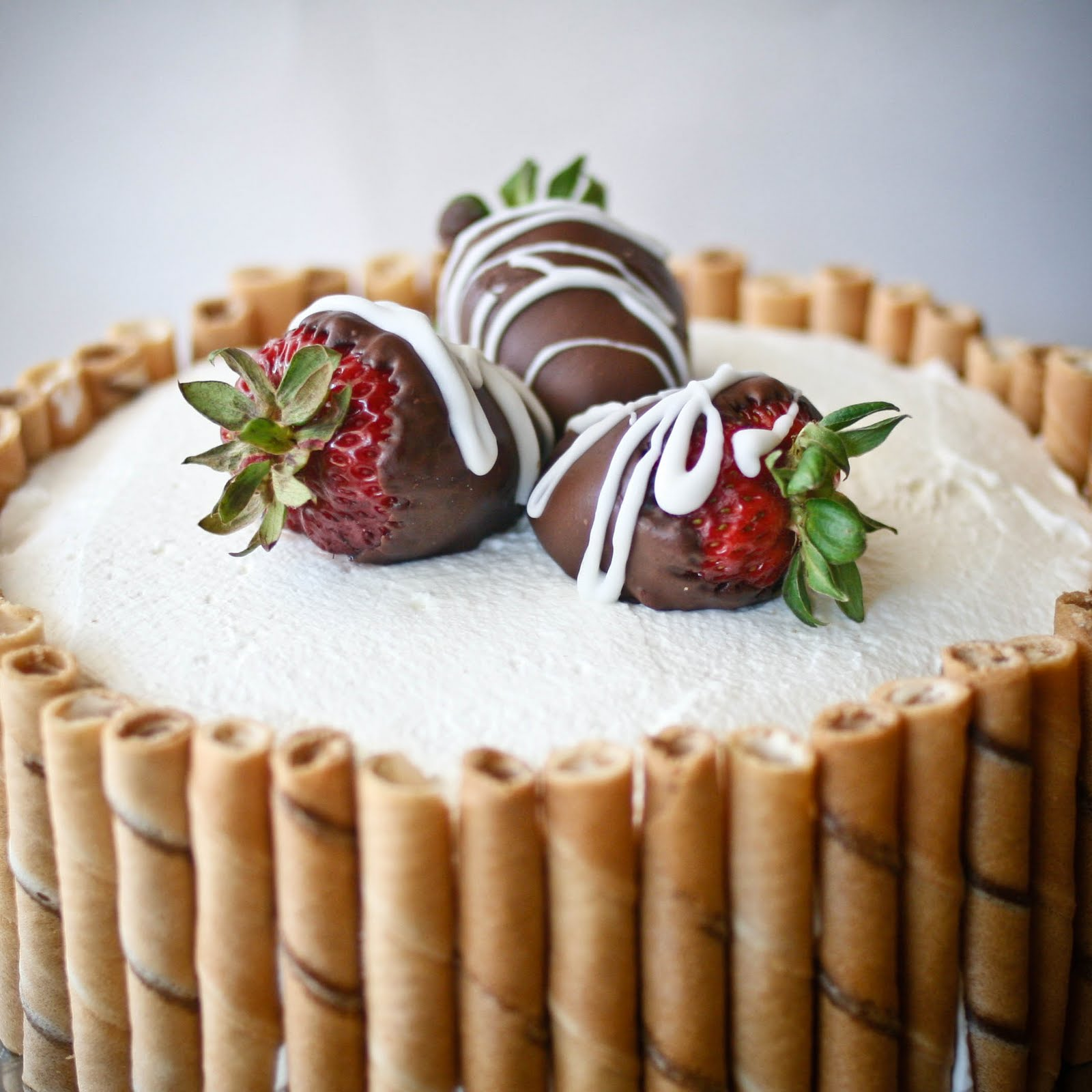Easy Layer Cake with Custard & Strawberries