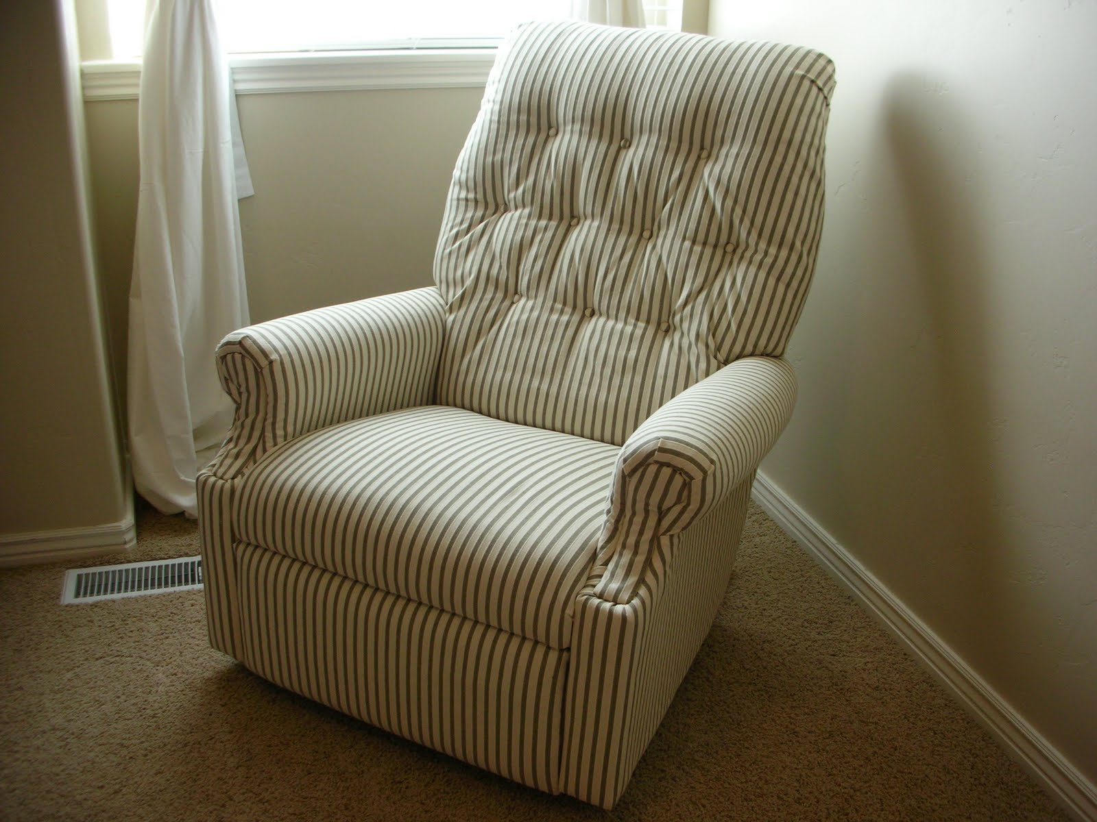 lazy boy recliner covers do it yourself divas: DIY: Reupholster An Old La Z Boy Recliner lazy boy recliner covers