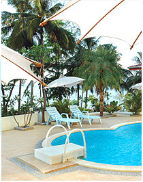 TriTrang beach resort pool