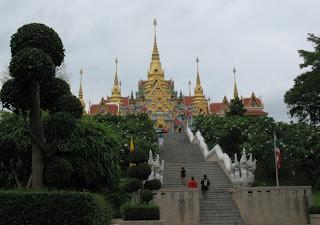 Stairway to Wat Tang Sai