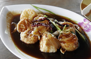 Tofu with Tamarind Sauce at Lakeside