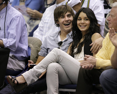 zac efron and vanessa hudgens kissing. Zac Efron amp; Vanessa Hudgens