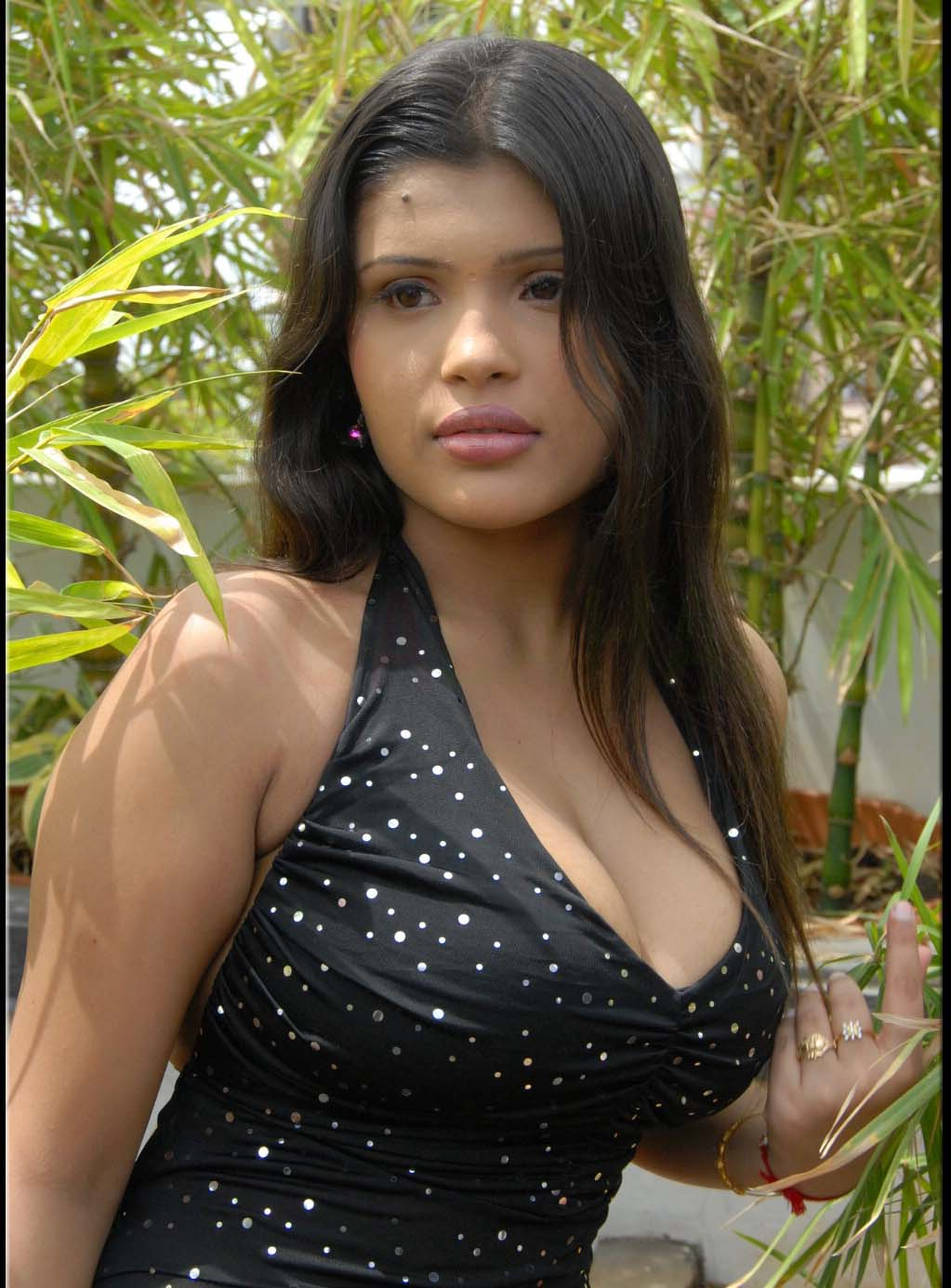 of aish ansari hot images