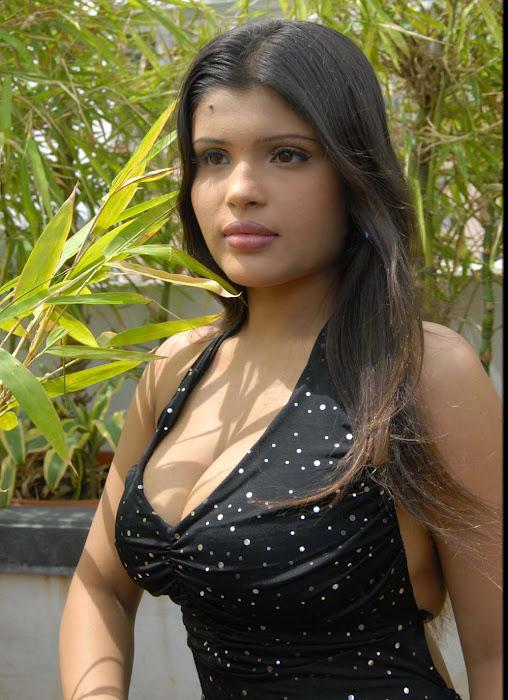 of aish ansari actress pics