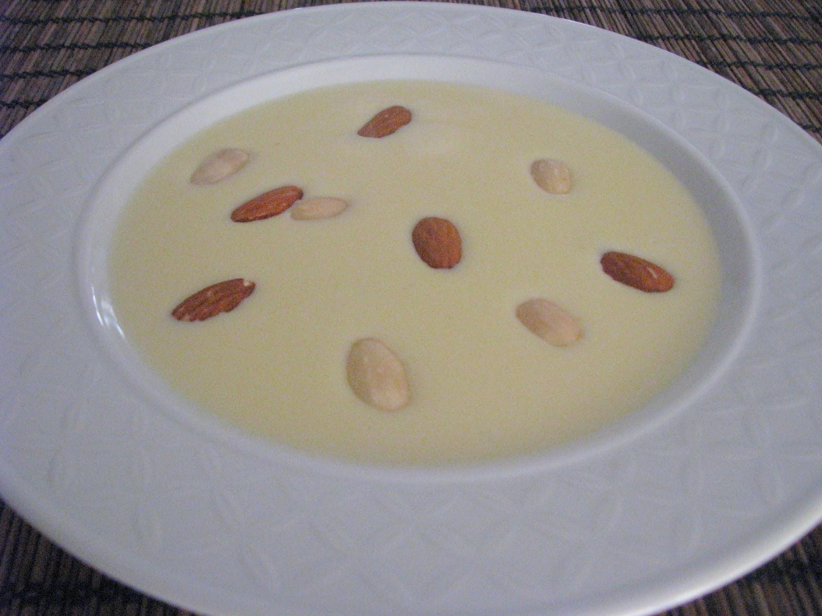 Sütlü Badem Çorbası