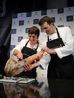 Fernando Alonso en la cocina. 10ALEMANIA180708_G