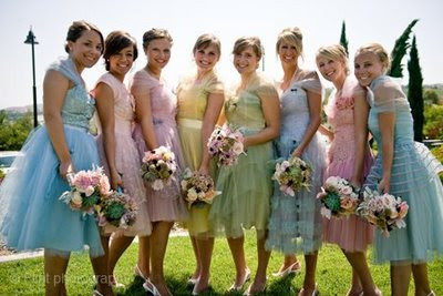 brides bridesmaids blooms pastel