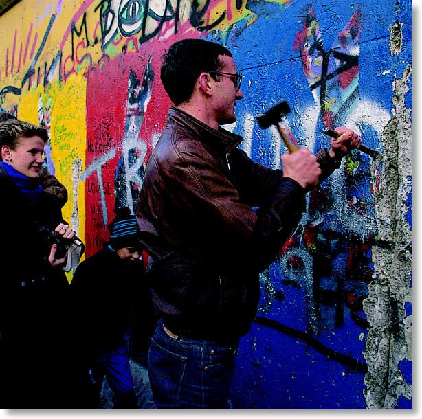 [derrubando.o.muro.de.Berlim]