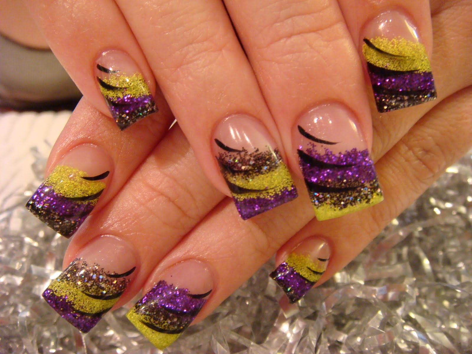 Nail Art: HALLOWEEN NAILS & MORE!