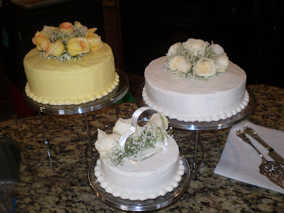 Easy Wedding Cakes on Is A Simple Wedding Cake I Did For Some Friends We Went To The Wedding