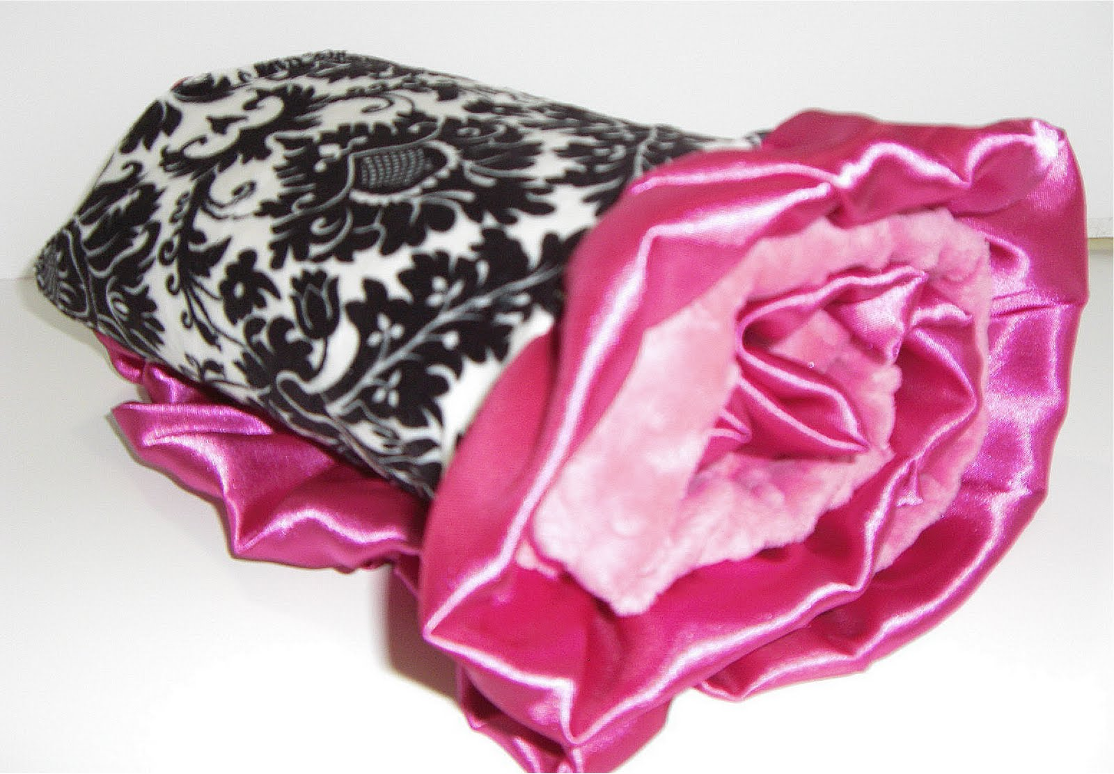 Used Damask Table Cloths Pink Background With Fleur De