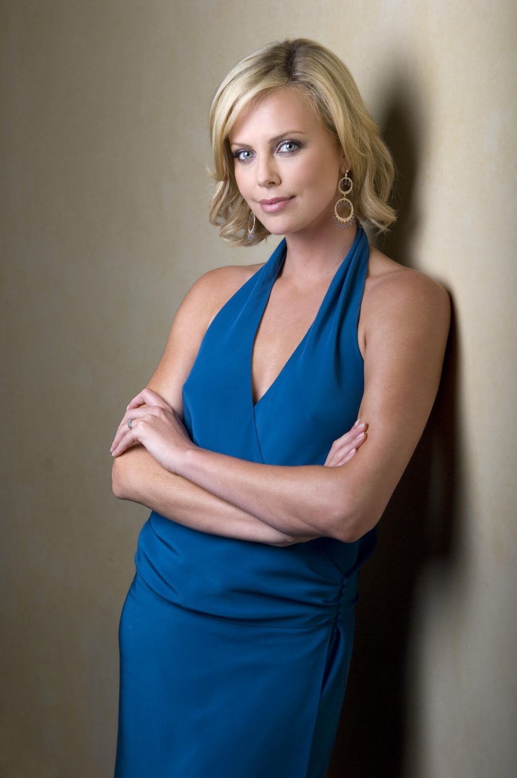 Charlize Theron In Versace For British Vogue: Celebrity Wallpapers: Charlize Theron HD Wallpapers