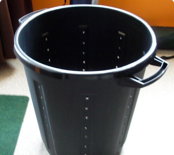 les recettes de ruzette fabriquer son composteur en. Black Bedroom Furniture Sets. Home Design Ideas