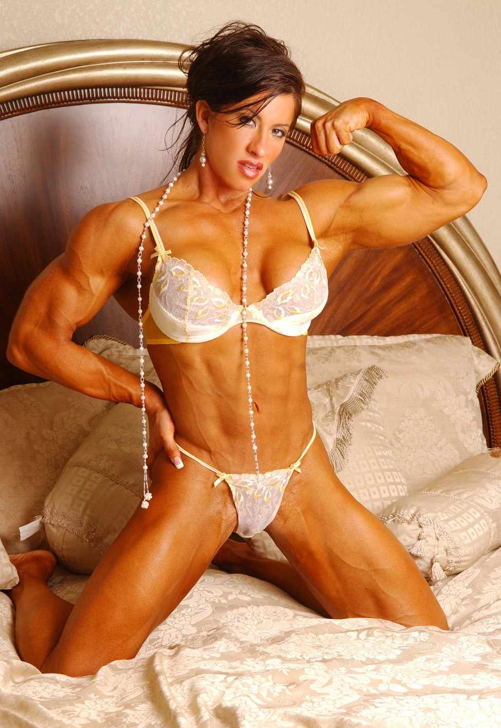Sexy Muscular Girls In Bedroom Angela Salvagno-5320
