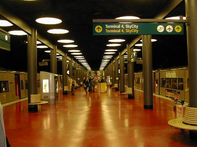 [aeropuerto+Arlanda+Estocolmo.jpg]