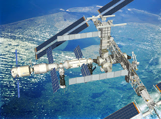 Artist's impression of Jules Verne docked to ISS