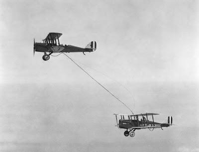 Primer reabastecimiento en vuelo